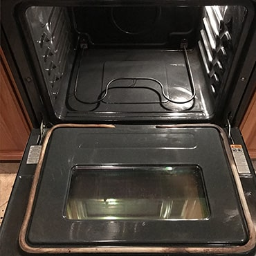 house cleaning services clean oven