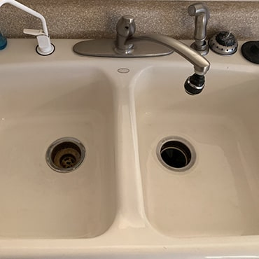 house cleaning services clean sink
